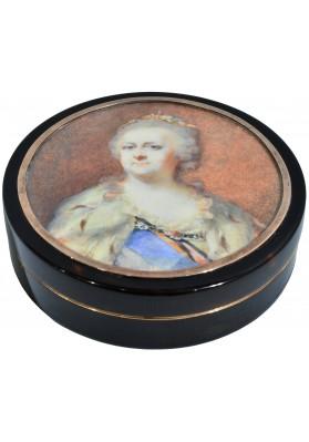 Табакерка со съёмной крышкой с портретом Екатерины II. Тип Лампи И.Б. (старшего)