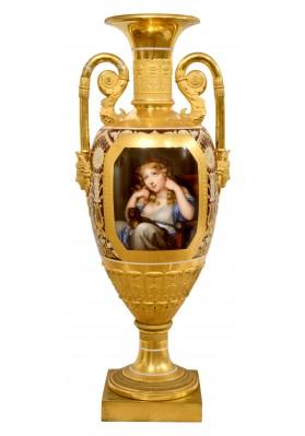 Ваза декоративная по мотивам картины Жана Батиста Грёза (1725-1805) «Девочка с собакой».